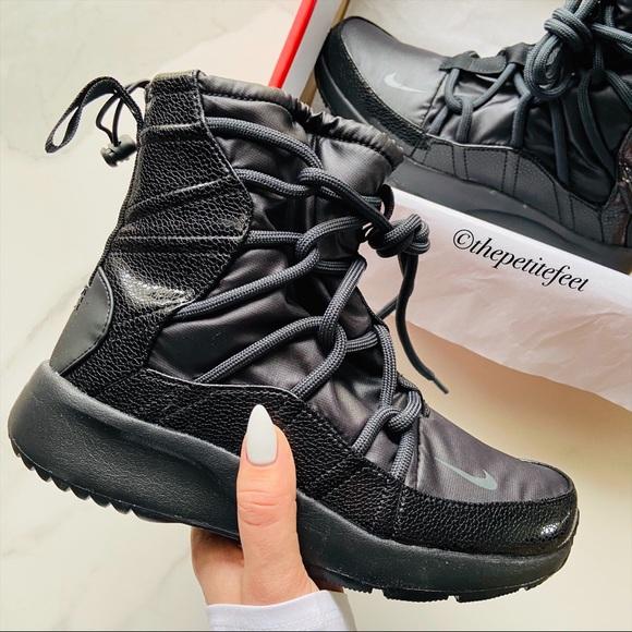 NWT Nike Tanjun high rise